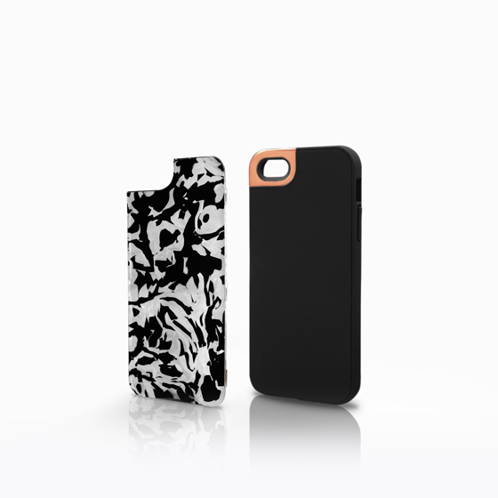 Rose Gold Metaluxe with Black-White Pearl Backplate (iPhone 5)