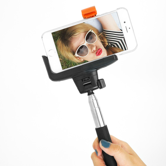 bluetooth selfie stick custom cases iphone 5s iphone 5c iphone 4s ipad ipod touch. Black Bedroom Furniture Sets. Home Design Ideas